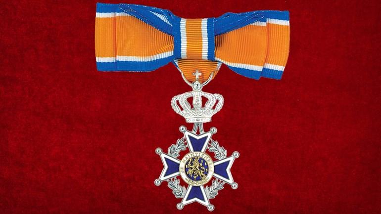 Lid-in-de-Orde-van-Oranje-Nassau-vrouw-Foto-Kanselarij-der-Nederlandse-Orde